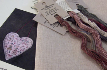 Sampler-heart-with-fabric
