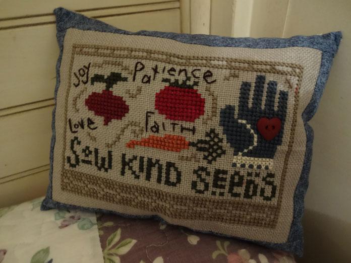Garden-pillow-2