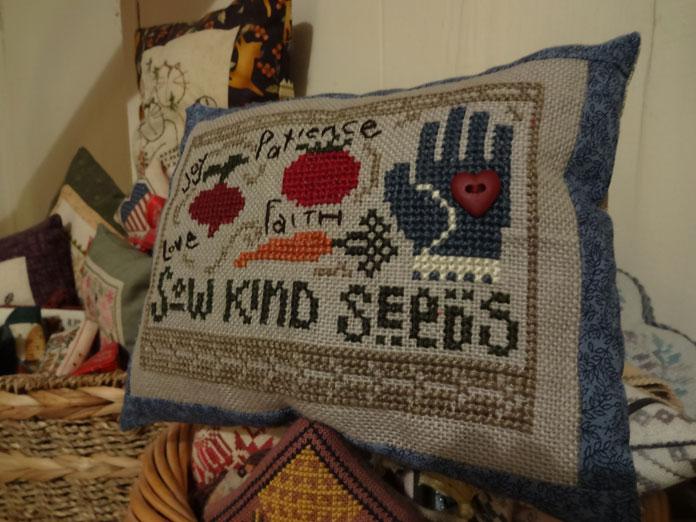 Garden-Pillow-1