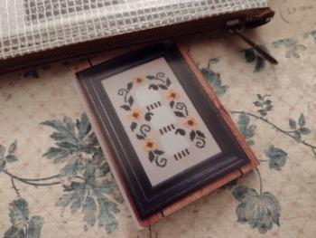 Bent Creek Wooly Zipper Kit Counted Cross Stitch Pattern image 0
