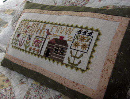 Sampler-farm-cushion-3