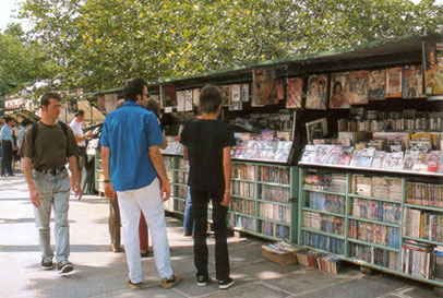 Paris-bookstalls