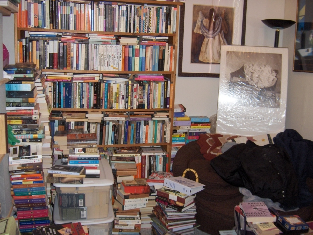 Messy_book_room